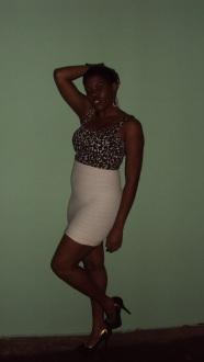 printed-bustier-high-waisted-skirt-heels